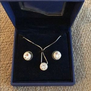 Necklace and Stud Set